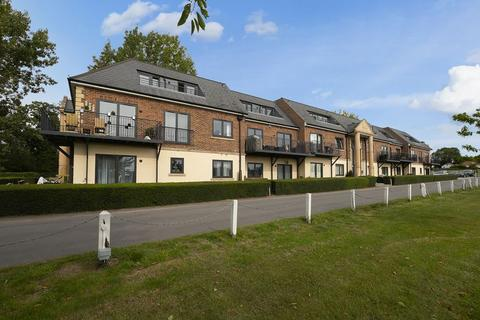 2 bedroom penthouse for sale - Abridge Road, Chigwell
