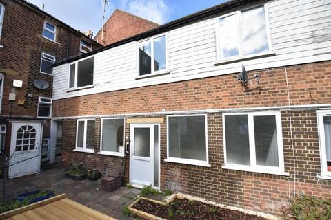 2 bedroom terraced house for sale - Rothesay Road, Luton
