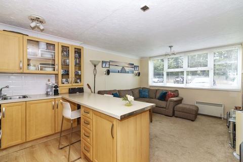 1 bedroom apartment for sale - Carlton House, Littlehampton Road, Worthing,