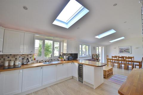 5 bedroom detached house for sale - Queensway, Haverfordwest