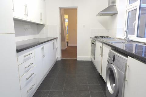 2 bedroom house to rent - Rosedene Villas, Hull