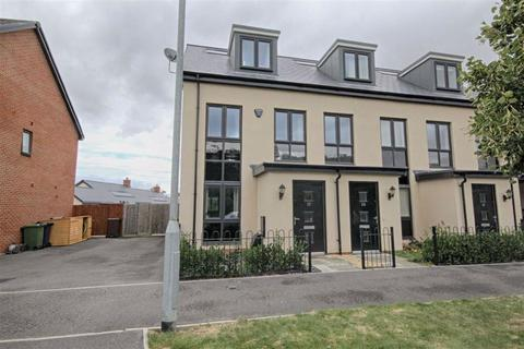 3 bedroom townhouse for sale - Amber Road, Bishops Cleeve, Cheltenham, GL52
