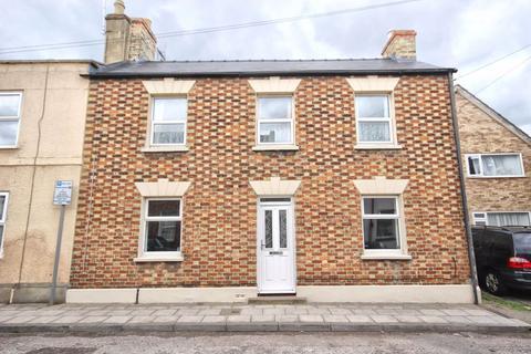 4 bedroom end of terrace house for sale - Victoria Street, St Pauls, Cheltenham, GL50