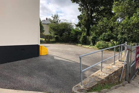 Parking to rent - Rear of Julian Foye, Union Hill, Truro