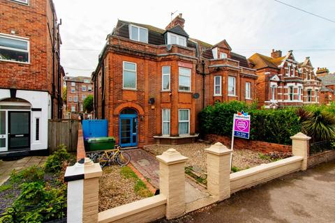 3 bedroom flat for sale - Christ Church Road, Folkestone