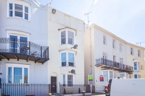 3 bedroom flat to rent - Margate