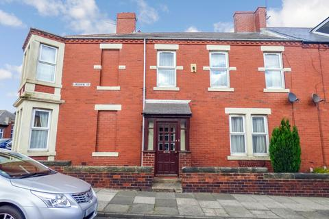 3 bedroom terraced house for sale - Lansdowne Terrace, North Shields, Tyne and Wear, NE29 0NL