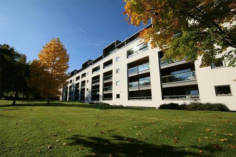3 bedroom apartment to rent - Century Court, Cheltenham