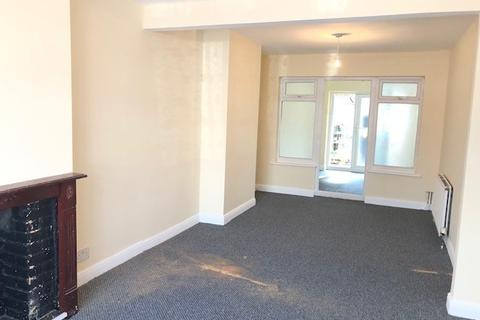 3 bedroom semi-detached house to rent - Leven Way, Hayes, Middlesex, UB3