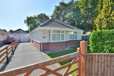 3 bedroom detached bungalow for sale - Firs Glen Road, West Moors, Dorset, BH22 0ED