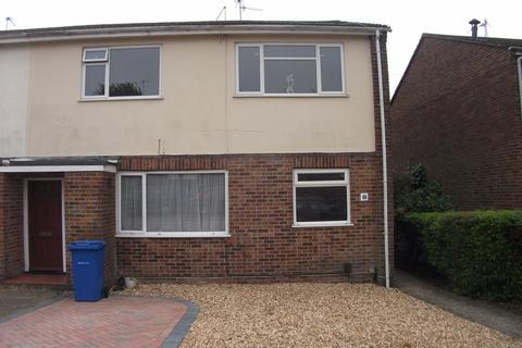 2 bedroom flat to rent - Mayford Road, Poole, BH12