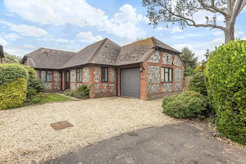 2 bedroom detached bungalow for sale - Wellsfield, West Wittering, PO20