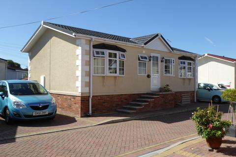2 bedroom detached house for sale - Iford Bridge Home Park Old Bridge Road, Bournemouth, BH6