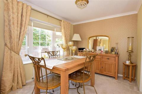 2 bedroom mobile home for sale - Howards Way, Hayes Country Park Battlesbri, Wickford, Essex