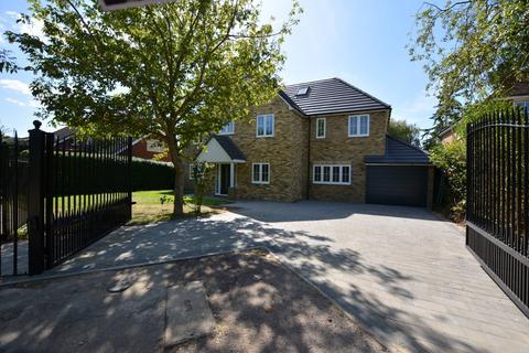 6 bedroom detached house for sale - Burges Close, Emerson Park, Hornchurch RM11