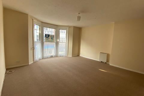 Studio to rent - Grove Road, Eastbourne BN21