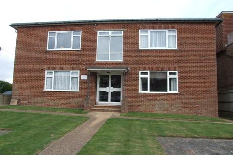 Studio to rent - Cresta Court, South Coast Road, Peacehaven BN10
