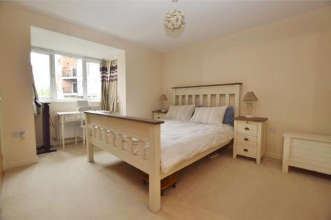 2 bedroom flat to rent - Stone Court, Worth, Crawley, West Sussex, RH10