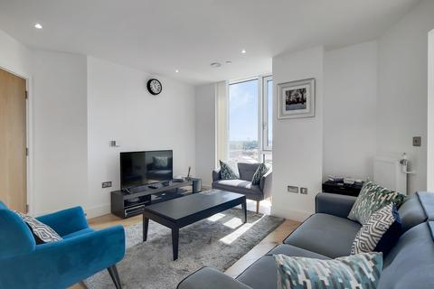 3 bedroom apartment for sale - Sky View Tower High Street E15