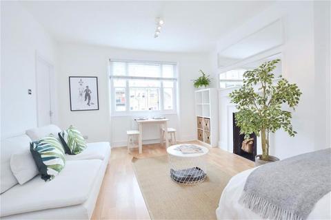 Studio to rent - Nottingham Place, Marylebone W1