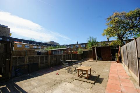 4 bedroom house to rent - Duckett Street, E1