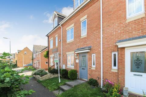 4 bedroom townhouse to rent - Moat Farm Close, Marston Moretaine, Bedford