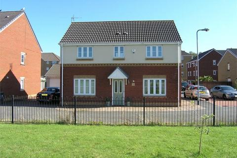 4 bedroom detached house to rent - Wyncliffe Gardens, Cardiff