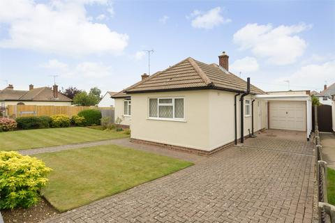 2 bedroom detached bungalow for sale - St Swithins Road, Tankerton, Whitstable, Kent