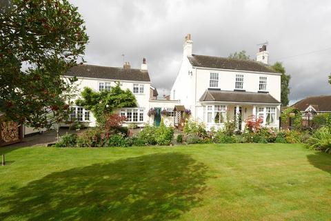 4 bedroom detached house for sale - Selby Road, Howden