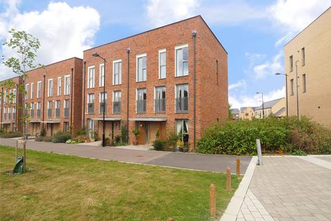 4 bedroom semi-detached house for sale - Renard Way, Trumpington, Cambridge, Cambridgeshire