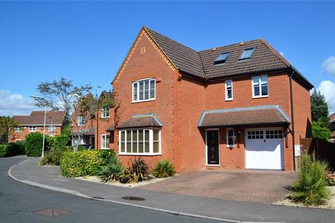 5 bedroom detached house for sale - Swallowfield Gardens, Theale, Reading, Berkshire, RG7