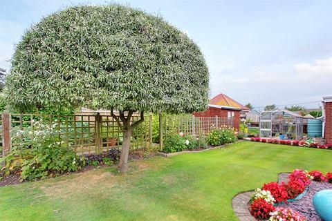 3 bedroom bungalow for sale - Stephensons Walk, Cottingham, East Yorkshire, HU16