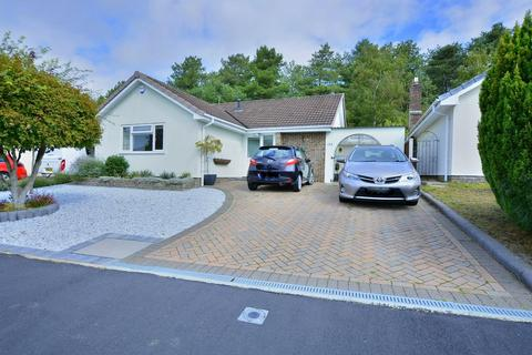 2 bedroom detached bungalow for sale - The Chase, Verwood