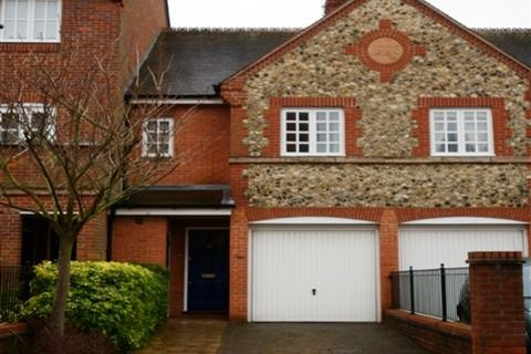 3 bedroom terraced house to rent - Barley Way, Marlow, Buckinghamshire, SL7