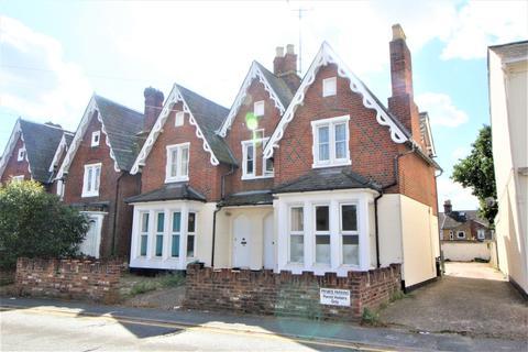 2 bedroom maisonette for sale - Military Road, Colchester