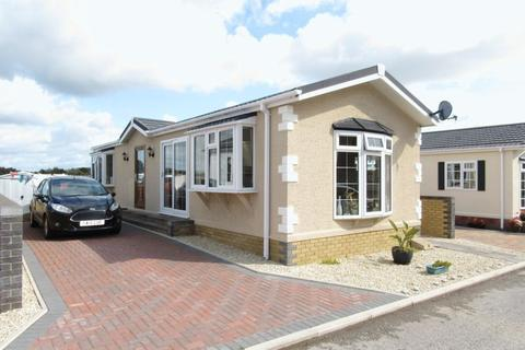 2 bedroom bungalow for sale - Winston Avenue Cambrian Residential Park Culverhouse Cross CF5 5TR