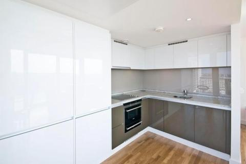 2 bedroom flat to rent - Landmark Building, East Tower, Canary Wharf, Westferry Circus, Canary Riverside, London, England, E14 9BT