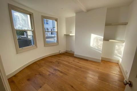 3 bedroom end of terrace house to rent - Surrey Street, Brighton, East Sussex, BN1 3PB
