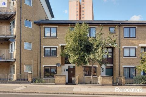 4 bedroom townhouse to rent - Old Ford Road, London