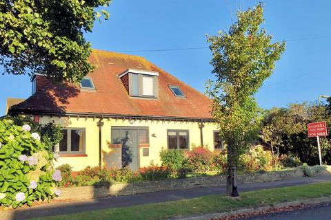 4 bedroom chalet for sale - Swanage Road, Lee-on-the-Solent, PO13
