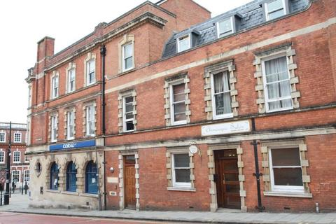 2 bedroom flat to rent - Corporation Street, High Wycombe