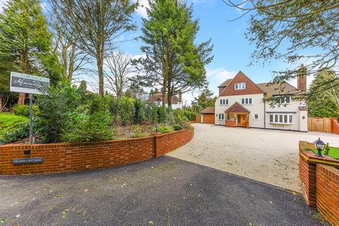 6 bedroom detached house for sale - Deans Lane, Walton on the Hill, KT20