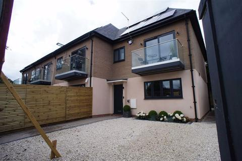 4 bedroom end of terrace house for sale - Lincoln Road, Enfield, Middlesex