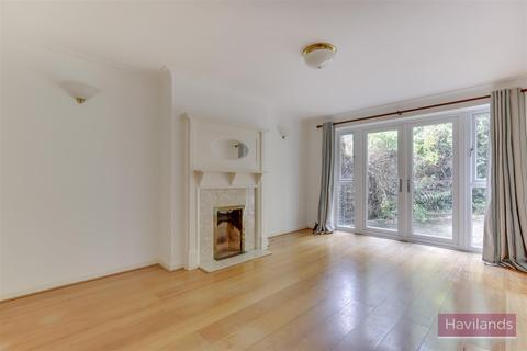 2 bedroom house for sale - Brookside, Winchmore hill