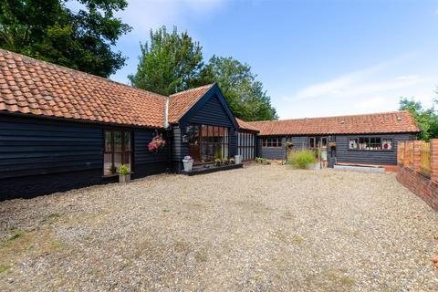 4 bedroom barn conversion for sale - Wacton, NR15