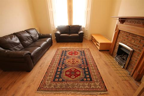 1 bedroom house share to rent - Falmouth Road, Heaton