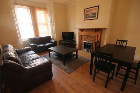 5 bedroom house share to rent - Falmouth Road, Heaton