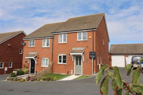 3 bedroom semi-detached house for sale - Coxwell Close, Seaford, East Sussex