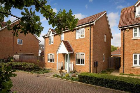 4 bedroom detached house for sale - Richborough Way, Chartfields, Ashford