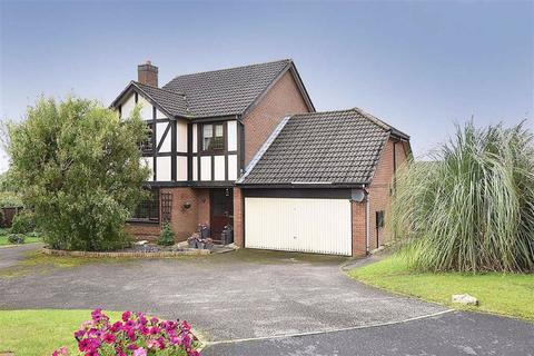 4 bedroom detached house for sale - Lavenham Close, Tytherington